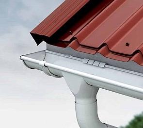 Монтаж водостоков для крыши